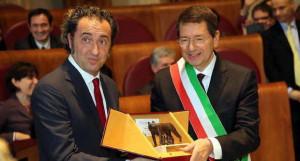 Paolo Sorrentino Riceve...