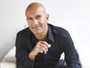 """Robin Sharma: """"El liderazgo es lo que haces cuando nadie está ..."""