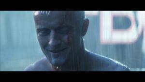 Roy Batty (Rutger Hauer) es un comando cyborg en Blader Runner.