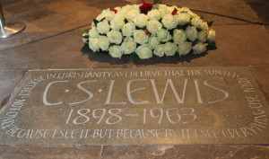 Lewis Honored in Poet's Corner at Westminster Abbey