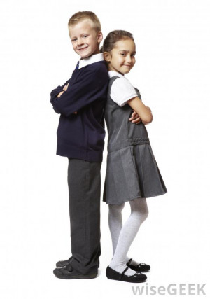 should school uniforms mandatory high schools School uniforms in public schools have been a hot topic of debate and popular subject for speeches in the united states for decades the national center for educational statistics reports that during the 2011-2012 school year, almost twenty percent of public schools had compulsory school uniform policies in place (national center for educational statistics.