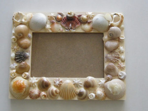 shell-art-wall-hanging-diy-craft-beach-shells-11.jpg