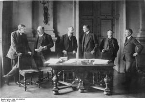 German delegates in Versailles: Professor Dr. Walther Sch cking ...