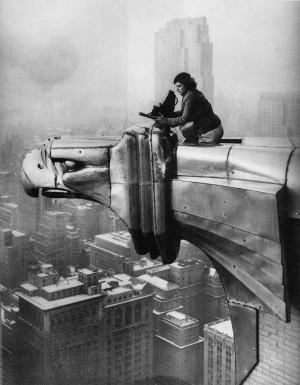 nobodylv:Margaret Bourke-White working atop Chrysler Building, New ...