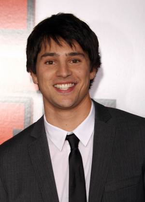 Nicholas D'Agosto Photo