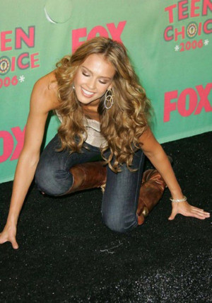 Famous People Fall Too (14 Photos)
