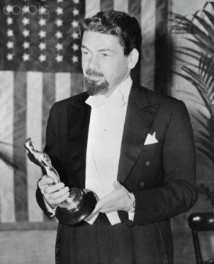 Paul Muni Accepting Oscar