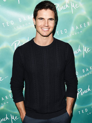 Duff the Movie Robbie Amell
