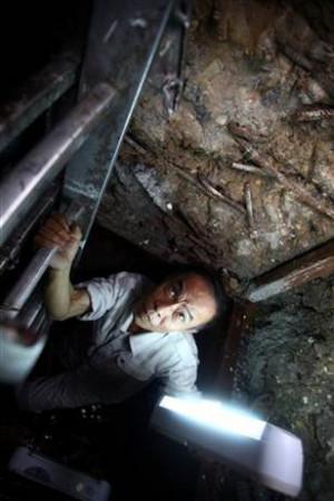 Landmark Hanoi hotel unearths Vietnam War bunker