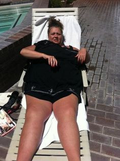 the beautiful Abby Lee Miller out getting skin cancer(: lmao More