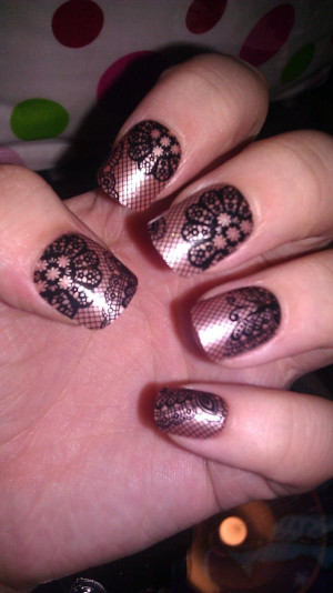 fake-nails-lace-nails-Favim.com-348754.jpg