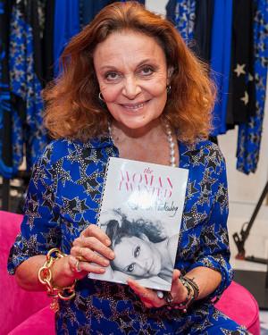 17: Fashion Designer Diane von Furstenberg signs copies of her book ...