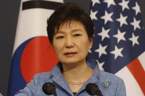 President Park Geun-hye's younger brother, Park Ji-man and his wife ...
