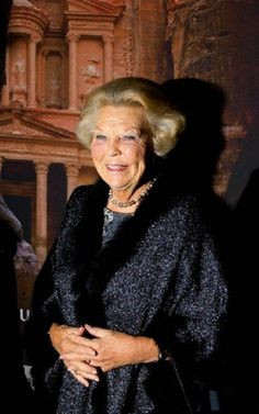 Beatrix Queen of the Netherlands 1980-2013 / GM