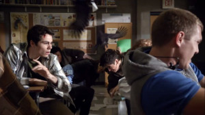 Teen Wolf Season 3 Episode 1 Tattoo Dylan O'Brien Stiles Attacked by ...