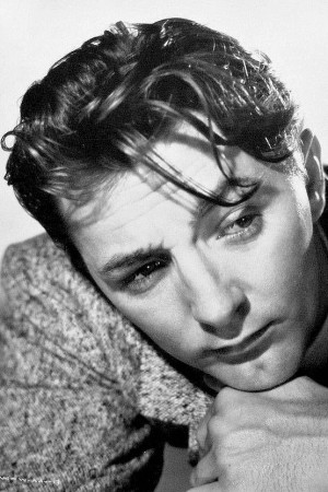 Robert Mitchum 1946