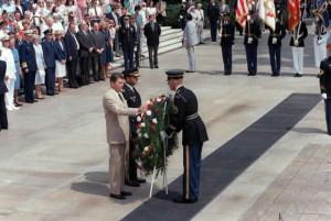 President Ronald Reagan laysa wreath at the Tomb of the Unknowns