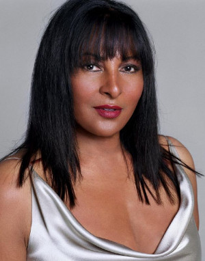Pam Grier as KitPhoto: Max Vadukal/ShowtimePhoto ID: LW3_21D-05