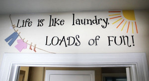 cute is this? I never thought about actually decorating the laundry ...