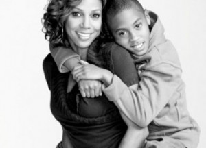 HOLLY ROBINSON PEETE OPENS NO-COST AUTISM CENTERS