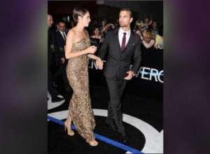 News Video Theo James Shows