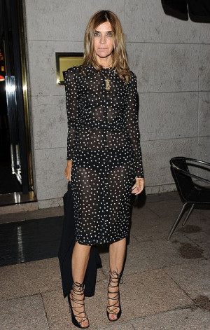 Carine Roitfeld launches a clothing line with Uniqlo inspired by her ...