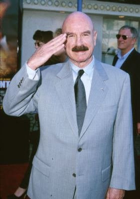 Gordon Liddy at event of Rules of Engagement (2000)