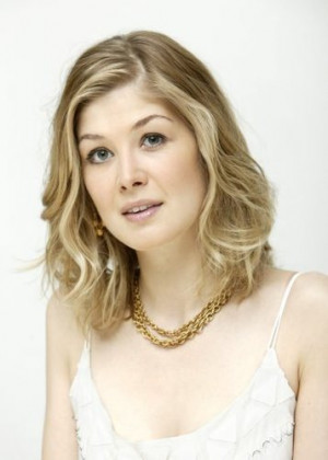 Rosamund Pike Photo