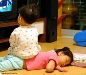 Funny Pictures-Brother and Sister Relationship-Images-Photos