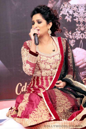 Home Pics Shreya Ghoshal Shreya Ghoshal launches her first Ghazal