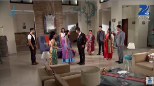 family members: what!!! Sid and Roshni planning for honey moon