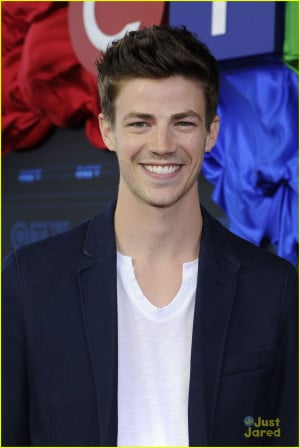 Set: The cast of The Flash get all gussied up for the CTV Upfront 2014 ...