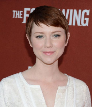 Valorie Curry's Delicate Pixie