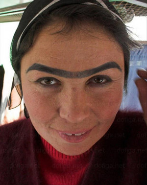 The Skinnier The Eyebrow The Crazier The Woman – 28 Pics