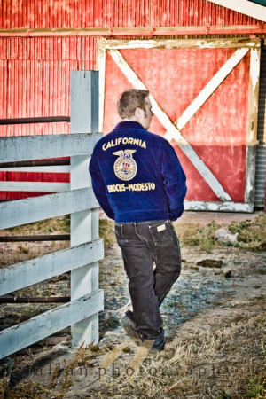 senior pic w/ FFA jacket- I can totally see Dawn doing this!
