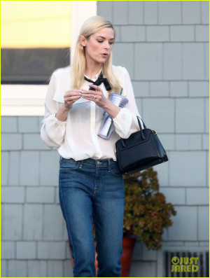 Jaime King 39 s Husband amp Son Are All About Family Love