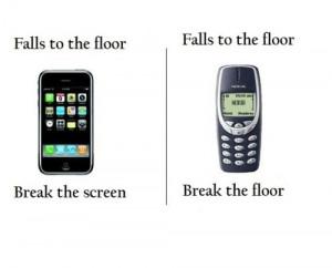 iPhone VS Nokia 3310
