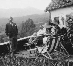 Pablo Picasso Gertrude Stein and Alice B Toklas on the terrace at