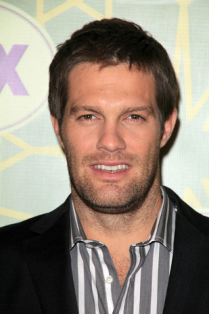 Geoff Stults Pictures & Photos