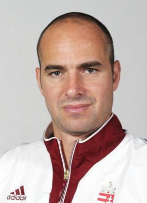 Tibor Benedek