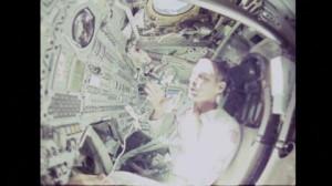Eugene Cernan, Rasoio, Apollo 10, Radere, Assenza di gravità, Modulo ...