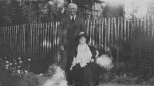 William Beveridge with his mother Annette Beveridge in 1928