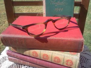 Can Men Wear Tortoise Shell Glasses