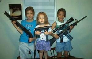 Blog • Les pires parents du monde • enfant avec des armes a feu