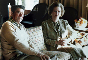 Description Thatcher Reagan Camp David sofa 1984.jpg