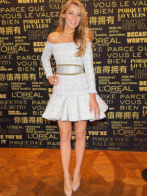 How does Blake Lively stay slim? By satisfying her sweet tooth! Plus ...