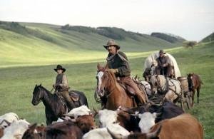 Kevin Costner - Diego Luna - Abraham Benrubi Image 4 sur 5