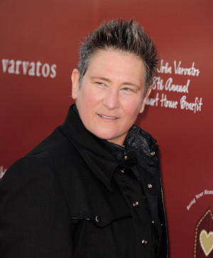 ... slightly better one with me on the left kd lang definitely kd lang