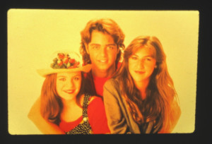 Images Jenna Von Joey Lawrence And Mayim Bialik Sits Online