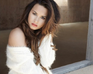 Demi Lovato's 10 Most Inspirational Quotes « Read Less